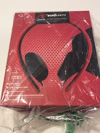 ecko unltd headphones new in box