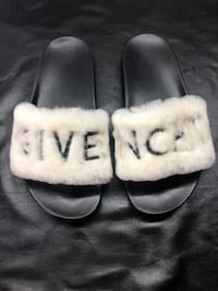 FLIP FLOPS GIVENCHY HAIRY BARCELONA