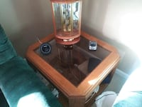 End table oak. With gas's top shel led on bottom Bel Air, 21015