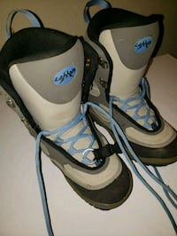 Women snowboard boots.  Gently used.  Obo