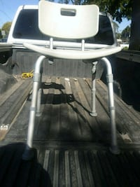 white and gray high chair Fresno, 93702