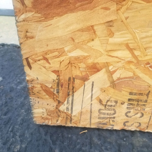 Plywood- 2 pieces FREE  8375b5a2-7110-47eb-bdba-5e89bb11555f