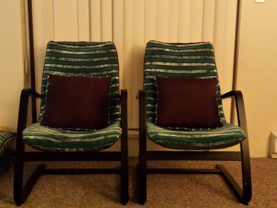 2 poang chairs (cushions not included)