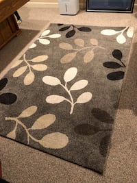 Gray and white floral area rug Stafford, 22554
