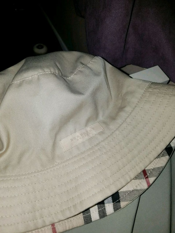17d9b8d80c3 Used Burberry authentic bucket hat reversible for sale in Vancouver - letgo