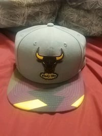 white and black Chicago Bulls fitted cap Dartmouth, B2W 6H5