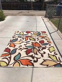 Large beautiful area rug very colorful in like new condition/63 inches by 92 inches Bakersfield, 93308