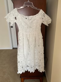 Gorgeous brand new white dress size small off the shoulder Stamford, 06902