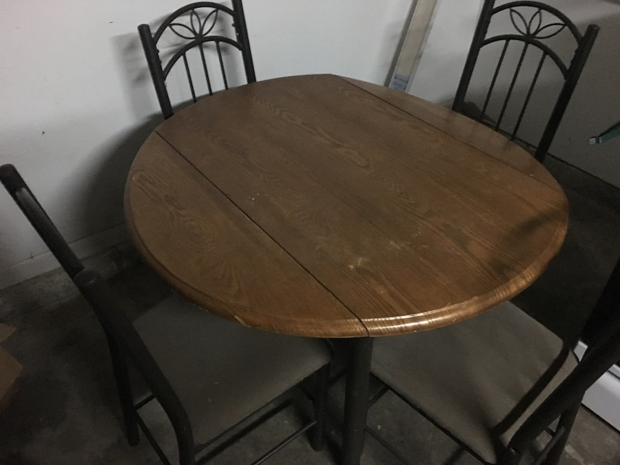 Used dining chairs and table set in virginia beach