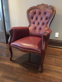 Oak wooden leather arm chairs