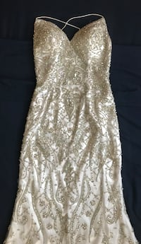 Women's size 2 white jasz couture prom dress