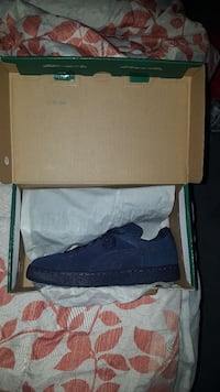 Navy Blue Pumas  size 7 Chesapeake, 23321