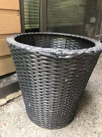 "15""15"" Wicker Planter, North Vancouver, V7K 2H4"