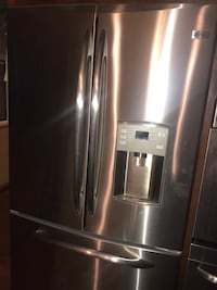 Refrigerator.  Could be easy fix.  Very nice.   Elk River, 55330