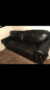 Black leather pullout couch Bakersfield, 93313