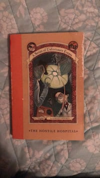 A series of unfortunate events: book eight: the hostile hospital by Lemony Snicket  Manor, 78653