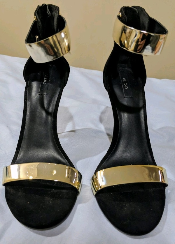 Women's blk heels with gold straps a2a7f6e9-c660-49df-8c82-b79b24eb6d91
