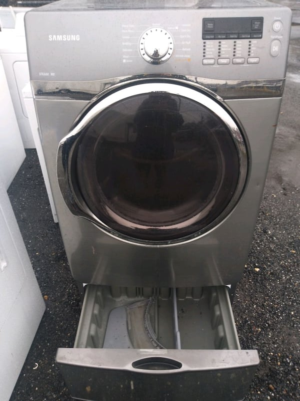 Samsung heavy duty steam dryer works good 6 month warty  (Phone number hidden by letgo)  33d371fe-4534-4014-aa3b-7582aa21c18d