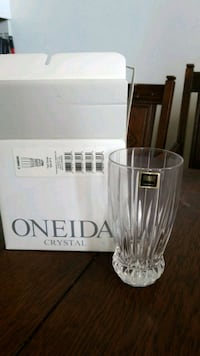 ONEIDA Crystal Set of 4 clear glass with box  Toronto, M3M 2S8