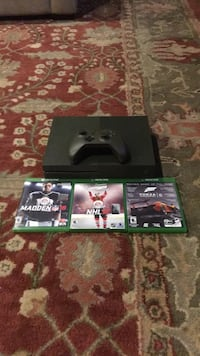 Xbox 1 slim 1 terabyte with controller and games 25 km
