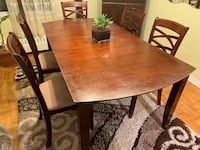 6 pieces dining set, (5 chairs and a adjustable table) Toronto, M3C 1A2