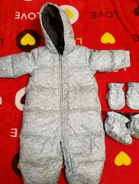 Gap baby snow suit 18-24 months Toronto