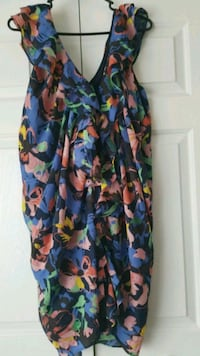 H&M flower front snap dress sz 12 only worn once.  Brandon, 33511