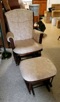 Recliner and ottoman  Pawtucket, 02861