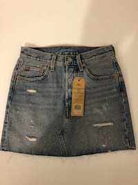 NEW Levi's deconstructed skirt sizes 24 and 26 - Retail: $100 Toronto