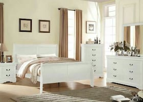 Twin full or queen size bed available