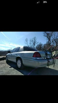 Ford - Crown Victoria - 2004 Capitol Heights