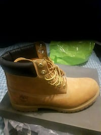 pair of brown Timberland work boots Toronto, M9V 4Z7