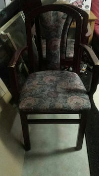 Solid wood chair North Bay, P1B 8G2
