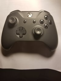 Xbox one x controller- Gey/Gold Battlefield V edit Reston