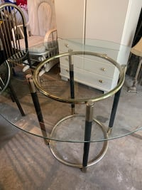 Glass table with 4 chairs Richmond Hill, L4C