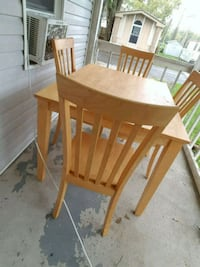 Table 4 chairs  Rushville, 46173
