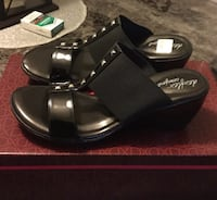 Dexflex Comfort  studded wedge shoe ( never worn ) asking $20.00 firm ..no holds retail value $36.99 London, N6J 2V9