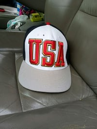 white and red Chicago Bulls fitted cap Washington, 20018