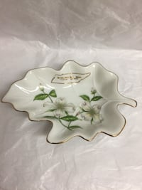World's Fair 1982 Knoxville Souvenir Gold Trinket Dogwood Dish with Tag - Collectible Saint Petersburg, 33709
