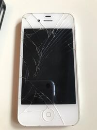 iphone 4 ( selling for parts ) Edmonton, T5Z 3N7