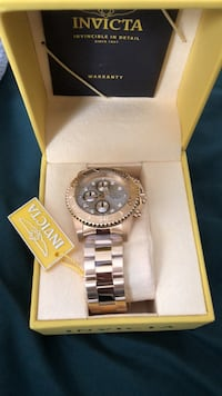 round silver Rolex analog watch with link bracelet Bay Shore, 11706