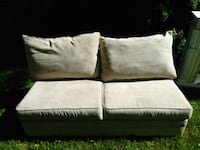 Just like new loveseat super soft no pets and smok Rockville, 20851