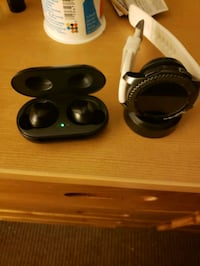 Galaxy buds and s3 frontier Somerville, 02143