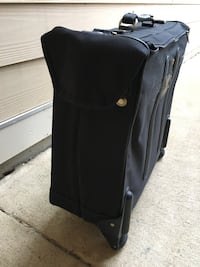 Luggage Delsey 2-Wheeled Garment Bag