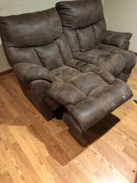 Brown suede reclining Love seat. Gently used. Smoke free home. Everything is in working condition. Central, 70770