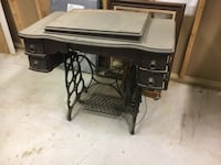 Antique sewing machine - table combo Middletown, 07748