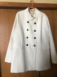 Plus size beautiful white winter coat Calgary, T3G