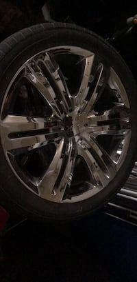 245/45zr20 clean full set of 20 inch rims good tires 5x114.3 bolt pattern Anchorage, 99504