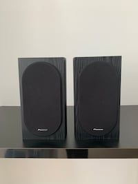 Pioneer SP-BS22-LR Andrew Jones Designed Bookshelf Loudspeakers Toronto, M5A 1H7