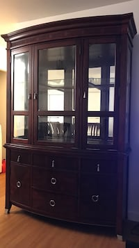 Hutch in excellent condition  Langford, V9B 2W7